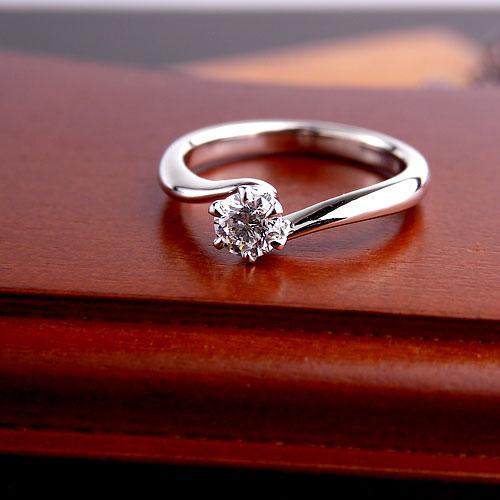 格安で人気の婚約指輪