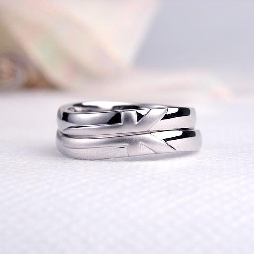 オリジナルマークの結婚指輪