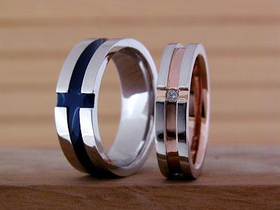 カジュアルなクロス模様の結婚指輪