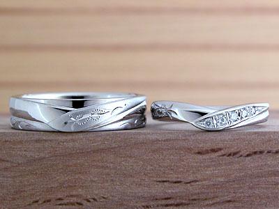 V字型と平打型でもペア結婚指輪