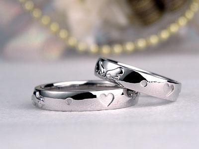 デフォルメ自動車の結婚指輪