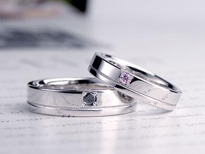 平打ち一本線が入った結婚指輪