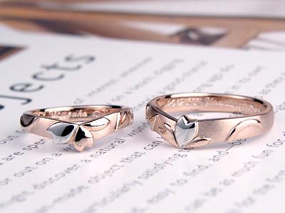 花びら一枚がプラチナになった結婚指輪