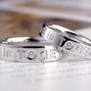 文字彫刻の結婚指輪