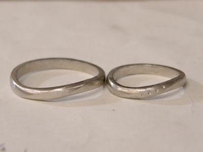 ヤスリ掛けが終わった指輪