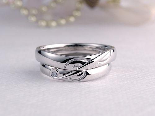 音符のト音記号を使った結婚指輪
