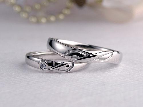音符のト音記号結婚指輪