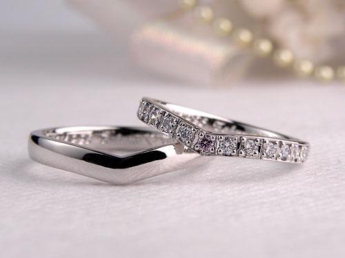 ダイヤのハーフエタニティ結婚指輪