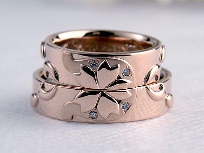桜と蹄鉄結婚指輪