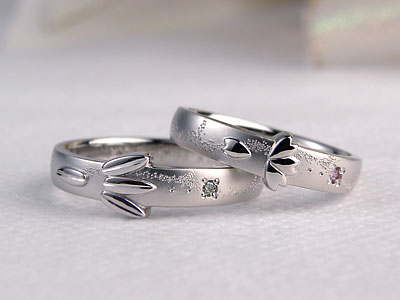 桜花びらと笹の葉の結婚指輪