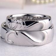 イニシャル結婚指輪