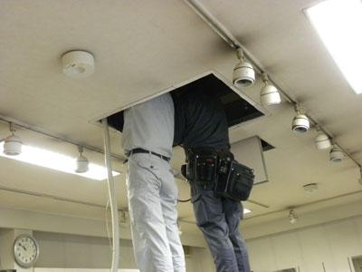 エアコン取り付けの為の配管