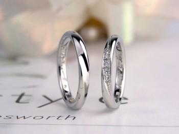 ストレートでダイヤがエレガントな人気の結婚指輪